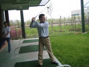 2005.7-车万翔打高尔夫